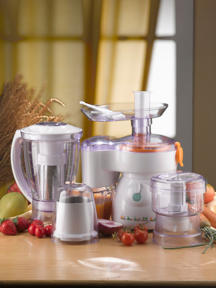 food processor and kitchen tools